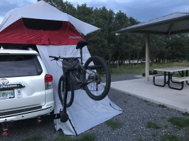 Yakima Sky-rise Rooftop tent for two with annex.